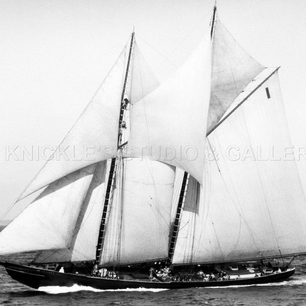 bluenose_by_the_wind_1922